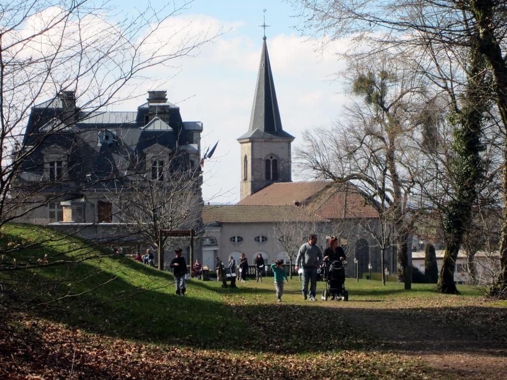 Parc-du-chteau-visiteurs-chasse-aux-oeufs-2